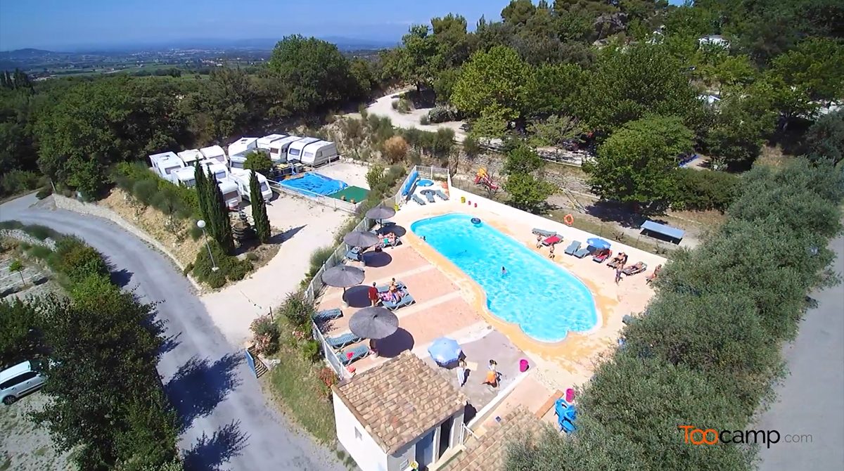 Camping lodges en provence 5 toiles richerenches toocamp - Les terasses provencales ...