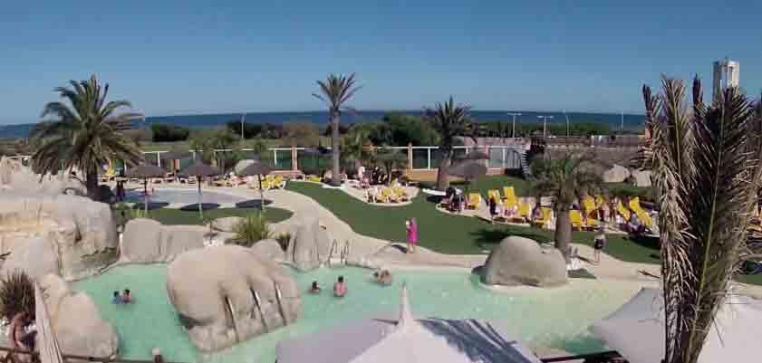 Camping - Le Brasilia - Canet-en-Roussillon - Languedoc-Roussillon - France