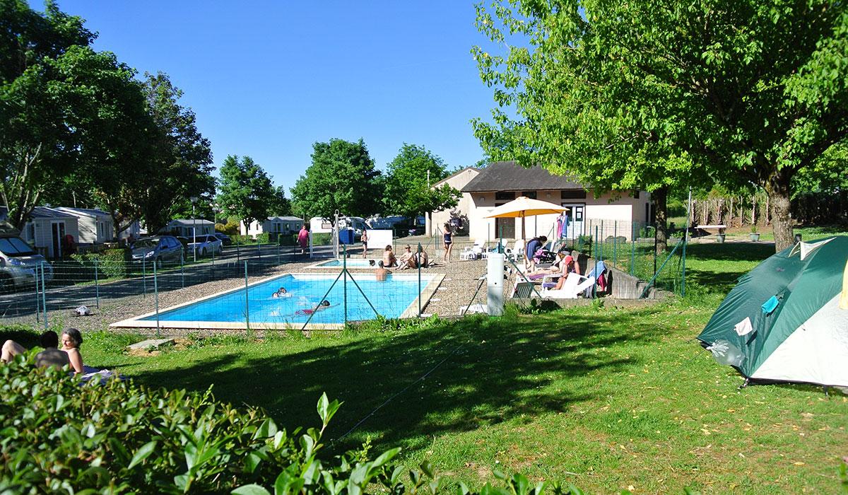 Camping - Bourbon-Lancy - Bourgogne - Village-chalets du Breuil