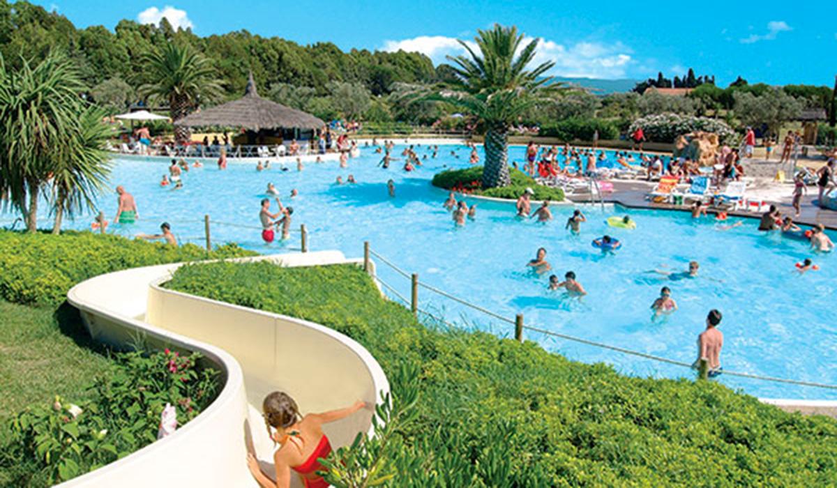 Camping park albatros 4 toiles san vincenzo toocamp for Camping biarritz bord de mer avec piscine