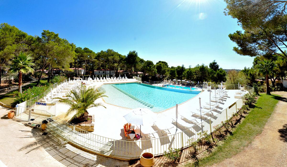 Camping - Castelnau-de-Guers - Languedoc-Roussillon - résidentiel la Pinède