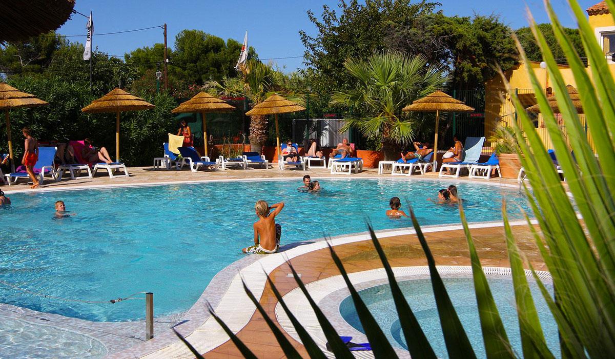 Camping - Hyères - Provence-Alpes-Côte d'Azur - International et Spa