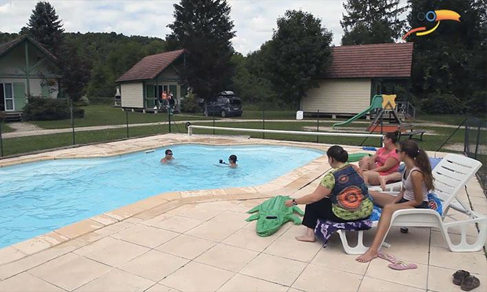 Camping - Cravant - Bourgogne - Village chalets Le Rû du Pré