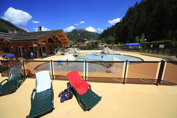 Camping avec piscine sallanches for Camping chamonix piscine