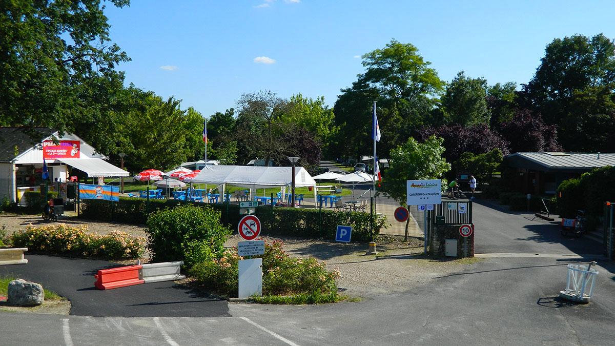 Camping - Montlouis-sur-Loire - Grand Centre - Les Peupliers