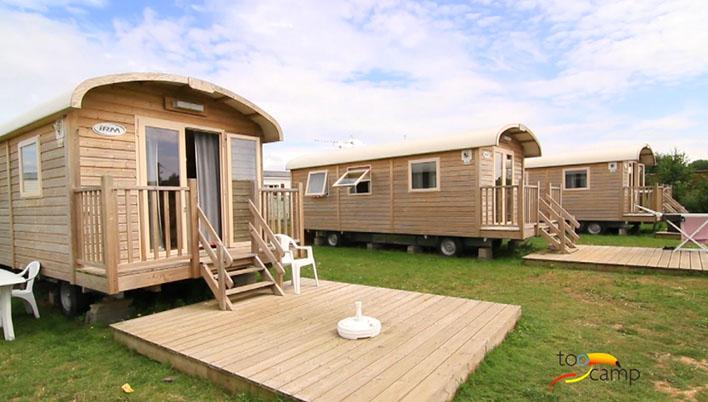 Cabane dans les arbres nord pas de calais h bergement for Camping bord de mer nord pas de calais avec piscine
