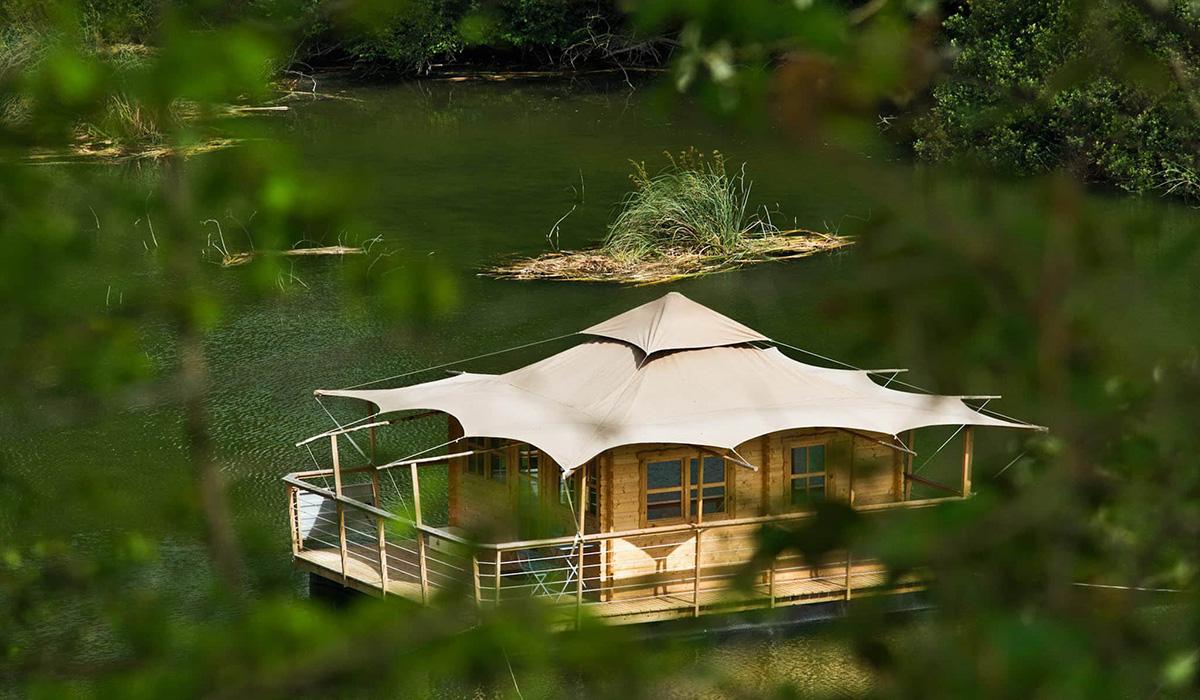 cabane dans les arbres mayenne h bergement insolite mayenne. Black Bedroom Furniture Sets. Home Design Ideas