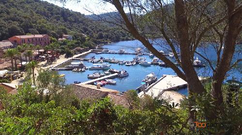 Le village de l'île de Port-Cros en vidéo
